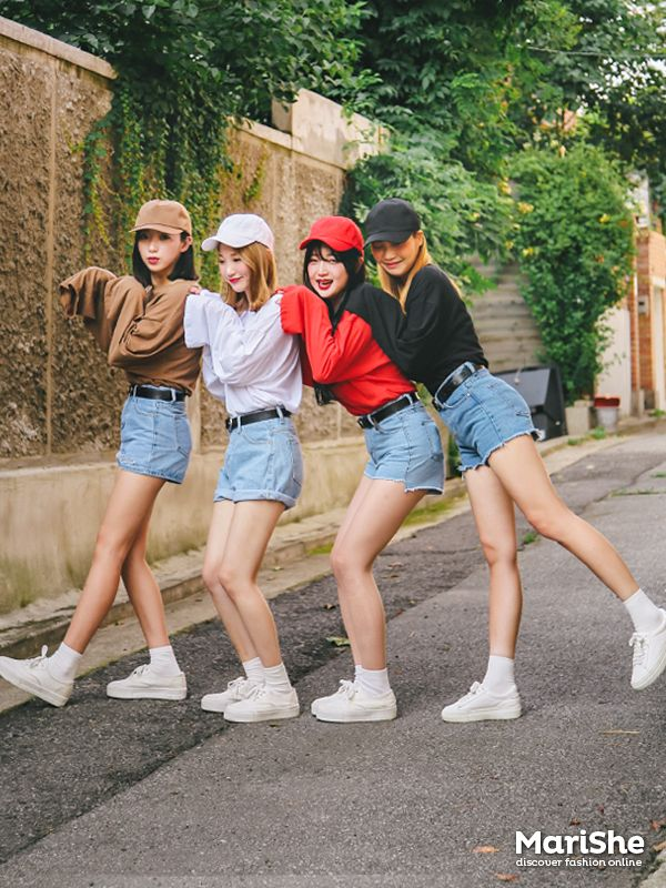 korean fashion white shoes red black sweaters blue jean shorts