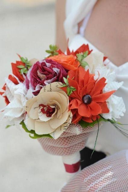 des bouquets de fleurs en papier et en tissu plus vrais que nature mariage papier et bouquets. Black Bedroom Furniture Sets. Home Design Ideas