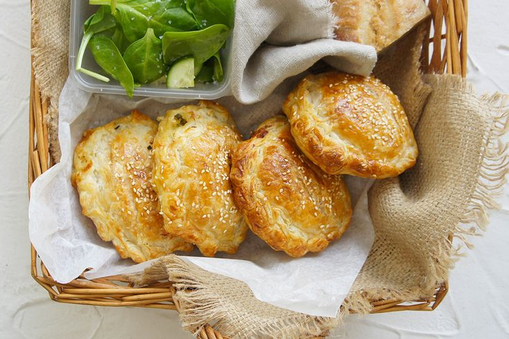 Entertaining outdoors this weekend? Pack these chicken picnic pies into your basket.