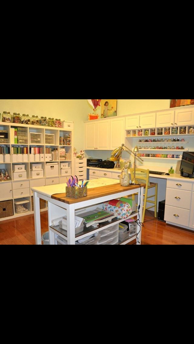 Ultimate craft room! WANT! | Sewing room | Pinterest 640 x 1136