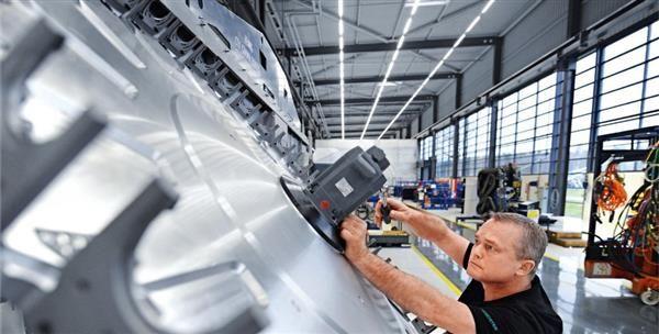 3ders.org - DMG Mori using 3D printer, CNC mill hybrid to produce Porsche parts | 3D Printer News & 3D Printing News