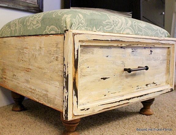 Vintage drawer seat