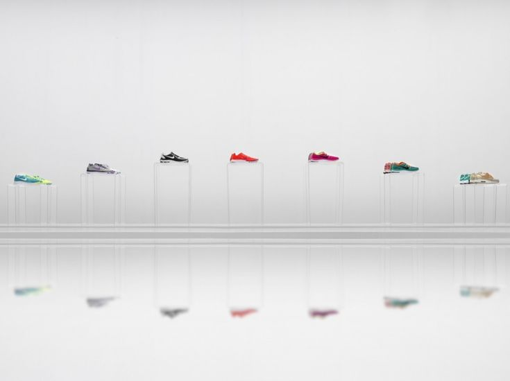 Minimal showcasing inside the Nike Pop Up Showroom by Maggie Peng & Albert Tien.