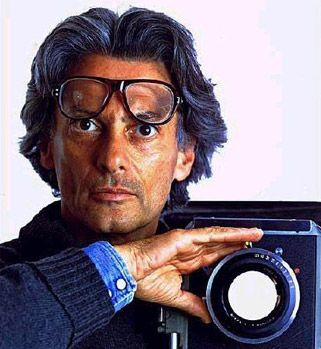 Richard Avedon (15 mai 1923, New York - 1er octobre 2004, San Antonio, Texas) est un photographe de mode et un portraitiste américain.