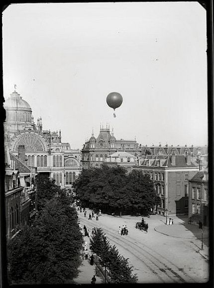 The long gone Paleis voor Volsvlijt, Amsterdam. Air Balloon Leon Mary. By Jacob Olie, 1893