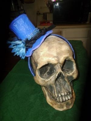 Blue mini top hat