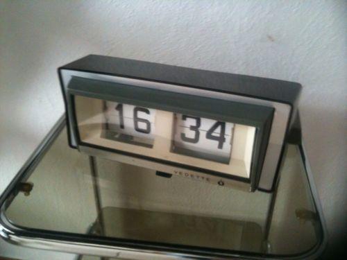 horloge pendule a lamelle flip flap vedette 1970 vintage 1950 39 s pinterest. Black Bedroom Furniture Sets. Home Design Ideas
