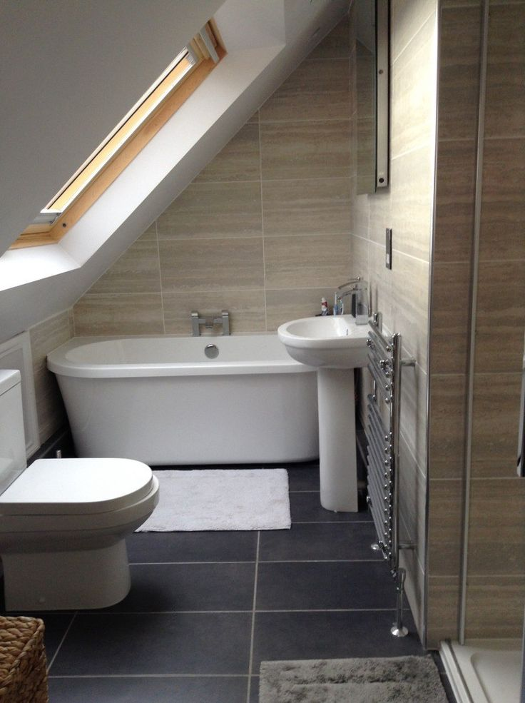 Another lovely bathroom under the eaves and in a for Bathroom design under eaves