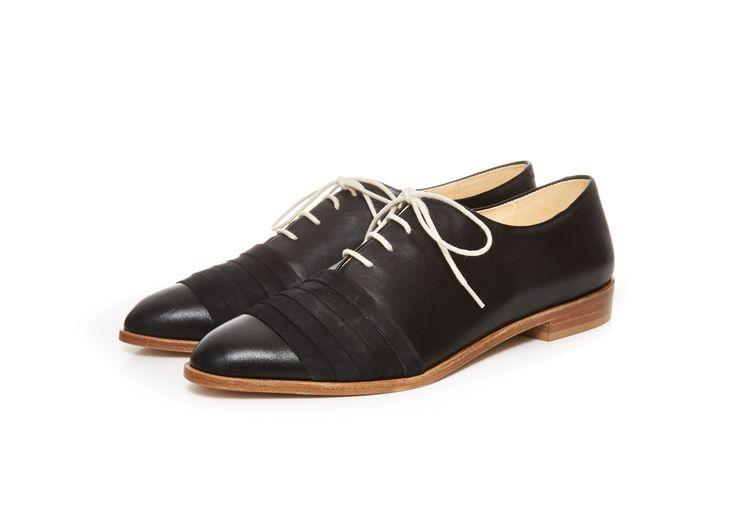 http://shop.terhipolkki.com/product/mila-flat-ss-15-black