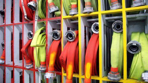 Düsseldorf: Unruhiger Nachmittag – Brände und technische Hilfeleistungen