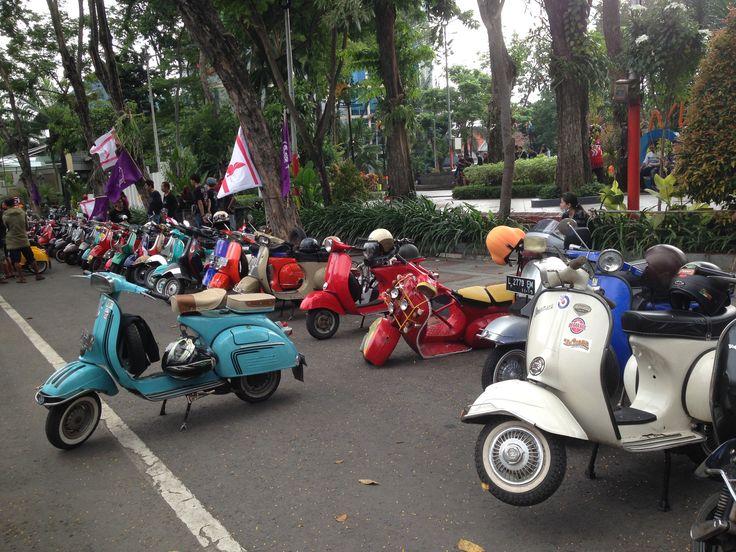 Vespa Surabaya Peringati Independence Day