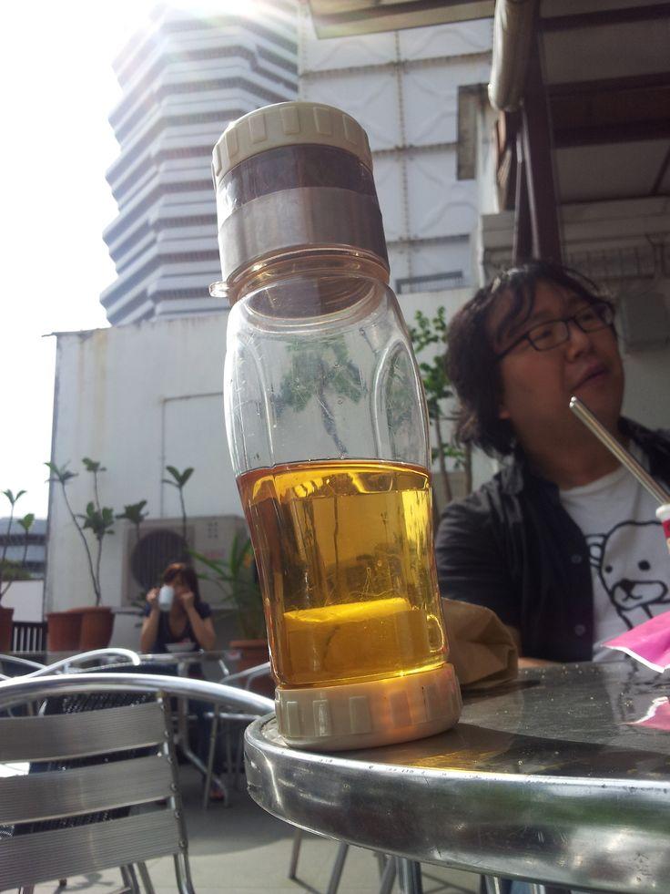 Te til frukost i Singapore med Ryu Hankijanuar 2014. #teflaske