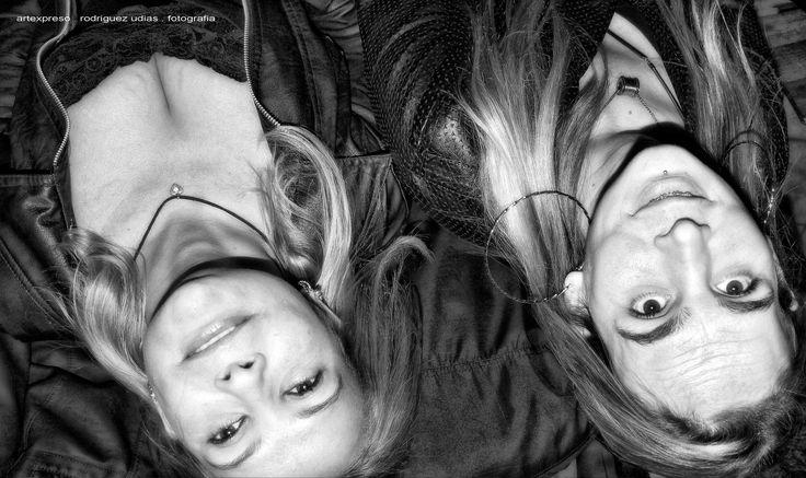 https://flic.kr/p/X3P2sq | Bar de Stones . BH . Artexpreso  32 | Una noche en el Bar de Stones / Sorrisos do Brasil . Artexpreso . Jl Rodriguez Udias . Fotografia Emocional . *Photochrome Artwork / Belo Horizonte, 28 Jul 2017.. #artexpreso Site: rodudias.wix.com/artexpreso