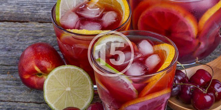 РЕЦЕПТЫ: 15 летних вариантов сангрии - http://lifehacker.ru/2015/07/03/sangria-summer-recipes/