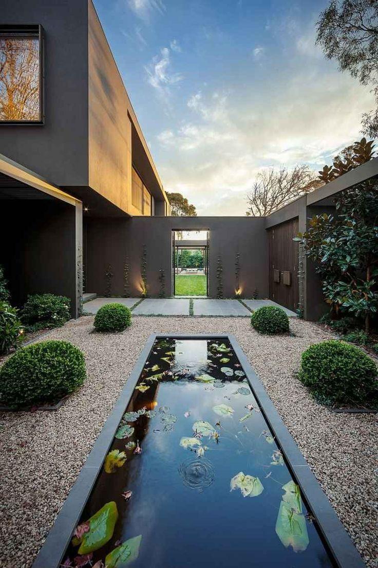 petit jardin zen d'entrée de maison