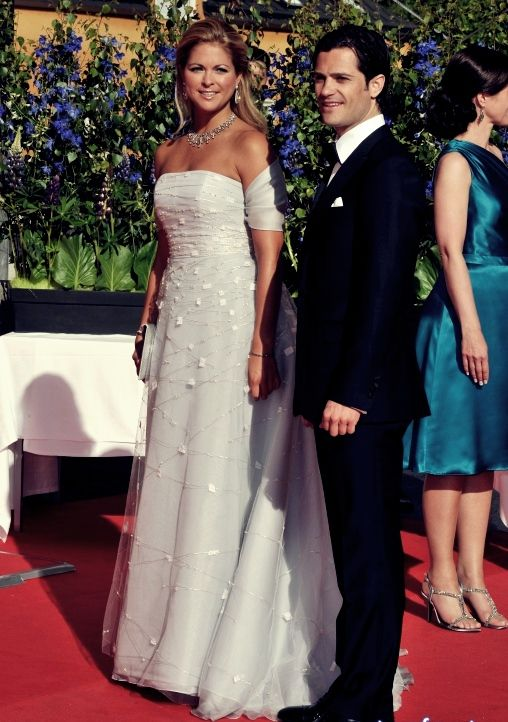 342 best princess madeleine of sweden images on pinterest for Swedish wedding dress designer