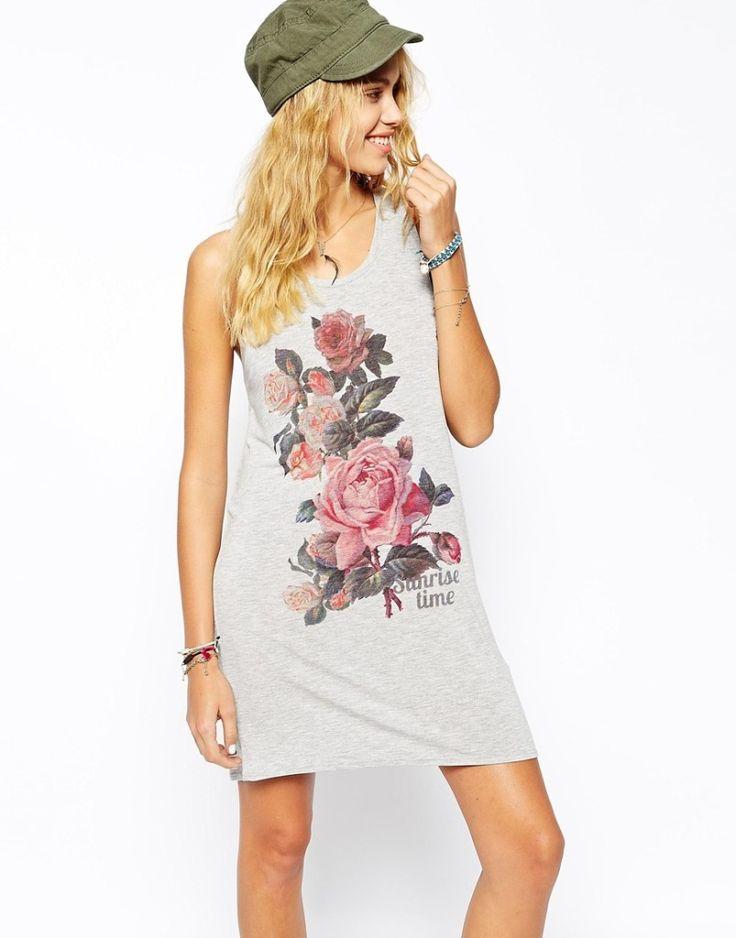 Dew back twist design leisure round collar printed dress