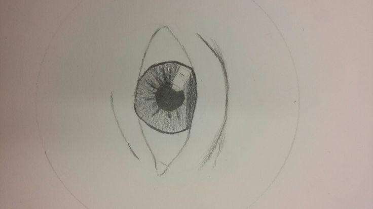 Dit is het begin van het oog, ik vindt de iris nog best moeilijk om te maken. Maar het gaat nog best goed vindt ik.