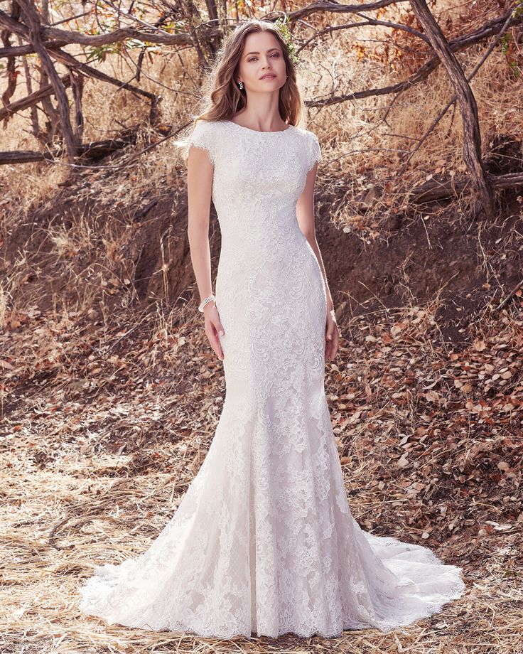 Vestido de Novia de Maggie Sottero (Hudson Lynette), corte sirena, escote barco, largo, con mangas  ¡Mira más ideas de vestidos aquí!  #weddingdress #bride #vestidodenovia