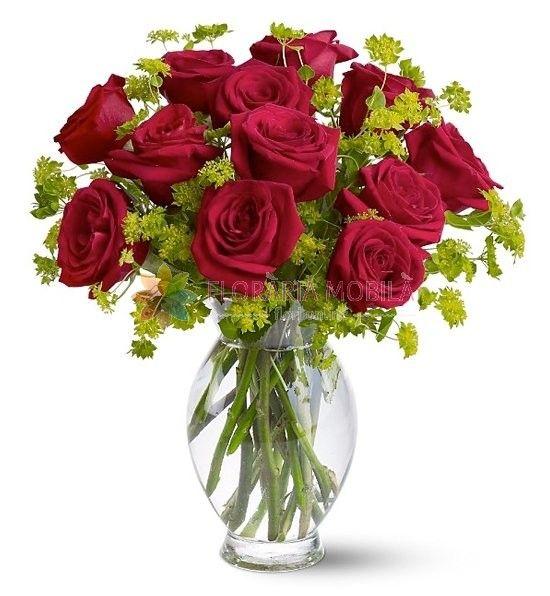 buchet cu 13 trandafiri 13 red roses bouquet for valentine's day