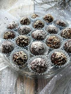 Delicious blog: Vánoční cukroví: Nepečené kuličky