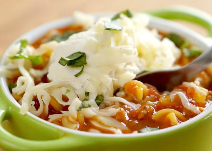 Lasagna Soup - This is a really hearty soup to brighten up dreary, winter evenings. It tastes like lasagna but takes less time to cook! Check out the quick video below to see how it all comes together: Follow us on Pinterest >> Tip Hero 1-1/2 lbs Italian...