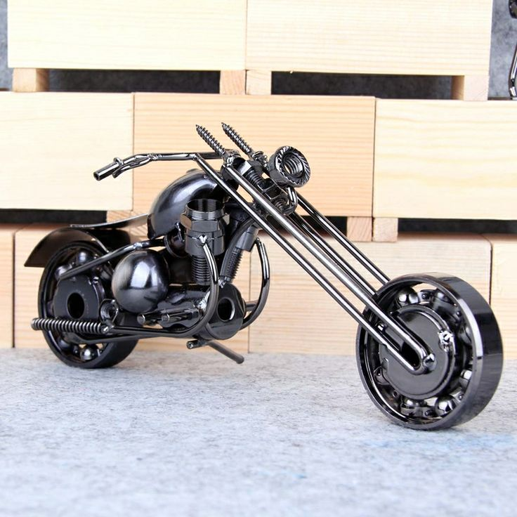 Mettle Motorcycle Metal Model Statue Home and Office Ornament