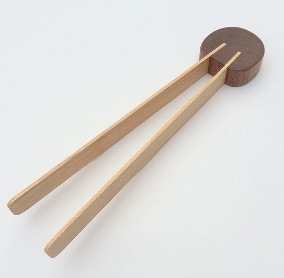 Wood kitchen tongs in maple toast tongs toaster von FineWineCaddy