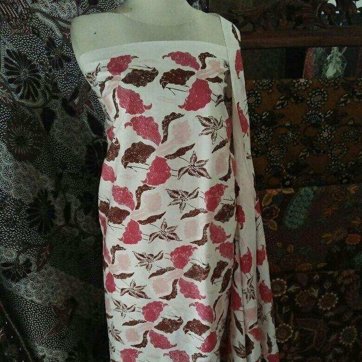 Galeri Amba Budaya Batik Kudus Merawat Tradisi Kearifan Adat Budaya Lokal  Batik Cap Tulis motif Bunga Catrelya