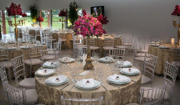 Cadeiras tiffany na decoração - Casamento Mayte e Wellington