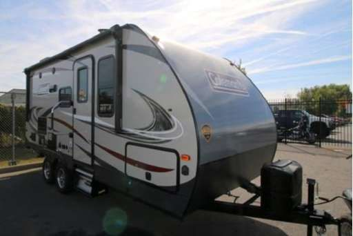 Check Out This 2018 Coleman Coleman Light 1805rb Listing In