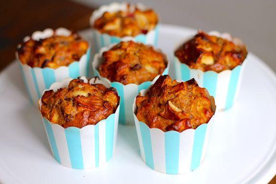Morgenmadsmuffins med æble, mysli og kanel