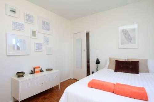 At the Bronte Bliss #hotel you can enjoy beautifully decorated rooms with ocean views at Bronte Bliss! What an amazing place! Best beach hotels in #Sydney!