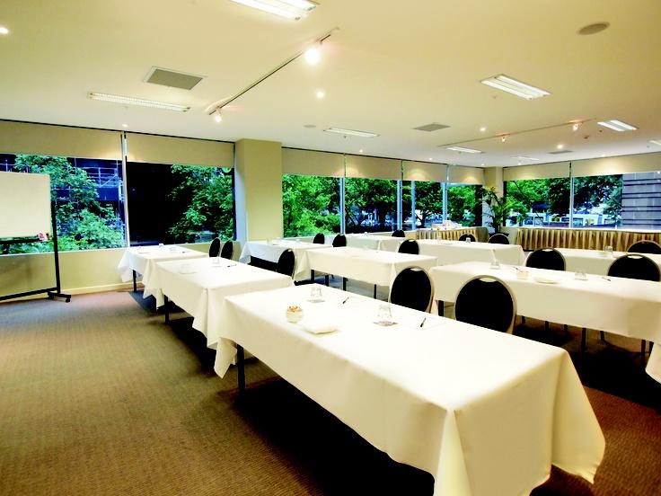 Oaks on Market - Conference