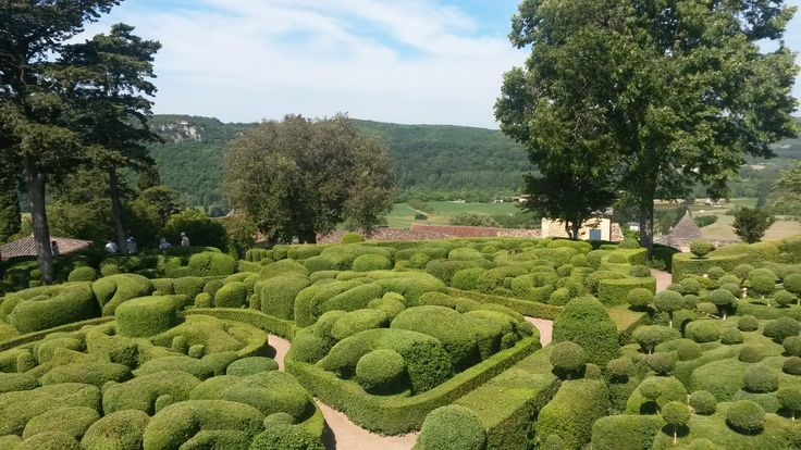 Chateau Marqueyssac topiary