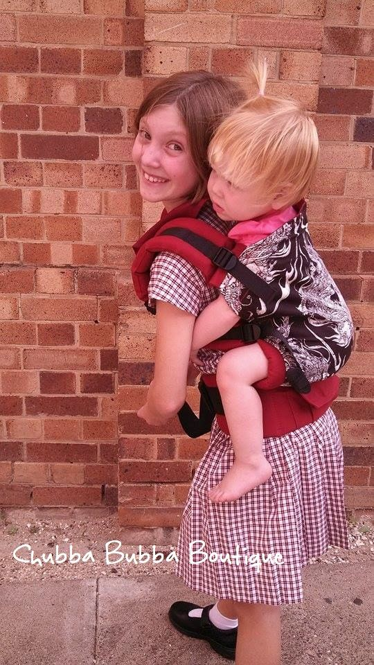 Most Adorable Fan Photo With Their New Dynasty Tula - Lay-by Available  #chubbabubbaboutique #dynastytula #tulaforthewin  http://www.chubbabubbaboutique.com/products/dynasty-tula-ergonomic-baby-carrier/