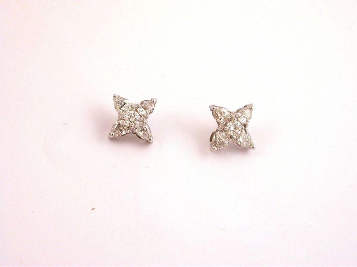 Earrings - Star - Diamonds. 18 carat gold (kt) white gold: 3.50 grams (gr).White diamonds brilliant cut: 0.78 carat (ct) (H colour Vs clarity).Codex: Taos.