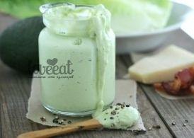 Заправка с авокадо для салата Цезарь