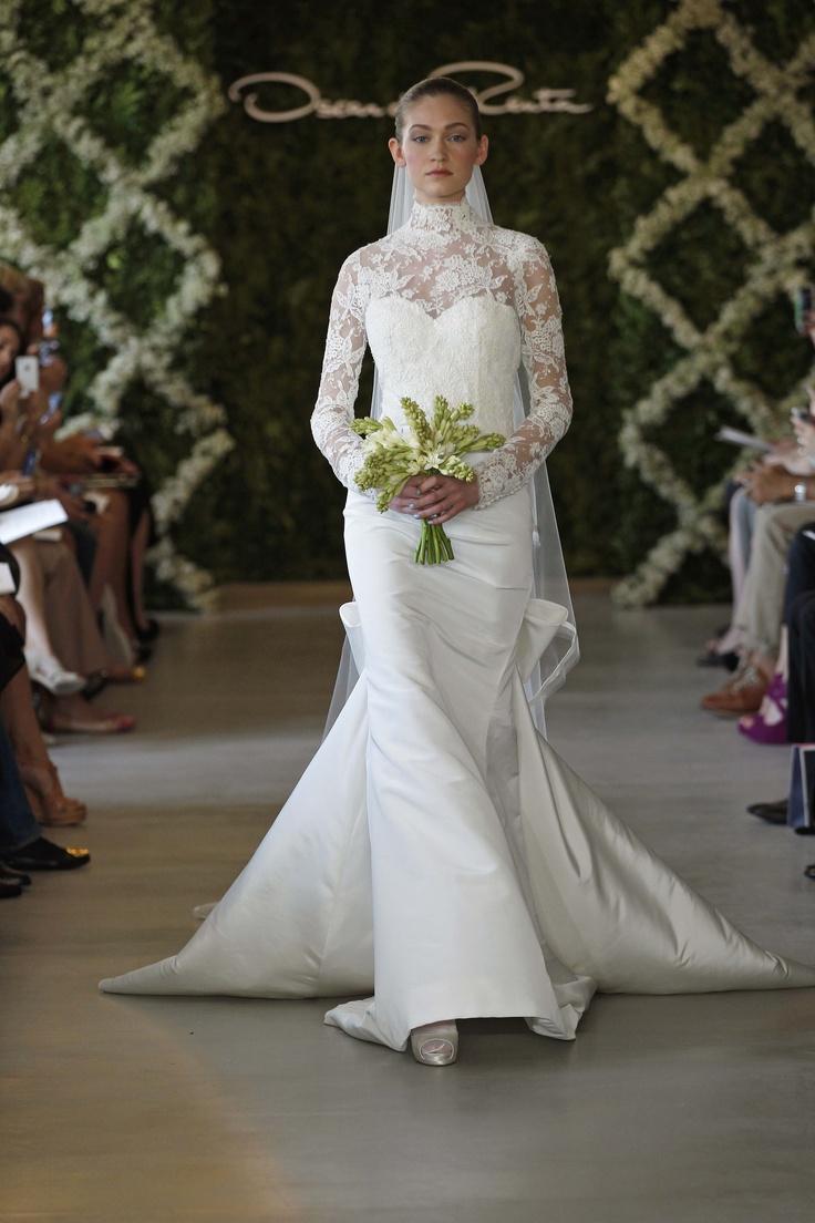 OSCAR DE LA RENTA BRIDAL 2013 - PHOTO BY DAN LECCA: Bridal 2013, Wedding Dressses, Oscar De La Renta, Bridal Looks, Chantilly Lace, Wedding Dresses, Renta Bridal, Gowns, Oscars
