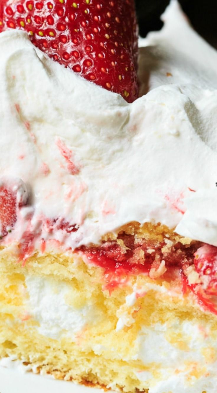 Strawberry Twinkie Cake ~ Twinkies, fresh strawberries, and strawberry puree are layered with a creamy mixture of cream cheese, sweetened condensed milk, and Cool Whip.