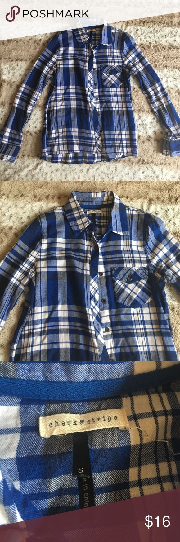 Blue Flannel💙💙 Cute flannel shirt. No flaws. Tag says small but will fit an XS better. Nordstrom Tops Button Down Shirts