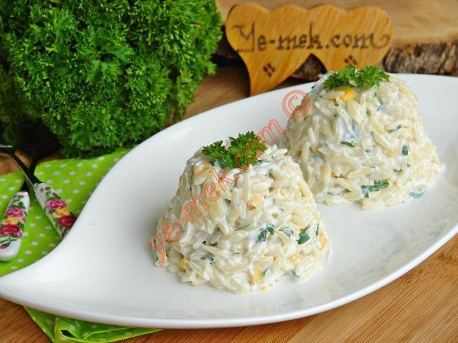 Yoğurtlu Arpa Şehriye Salatası Resimli Tarifi - Yemek Tarifleri