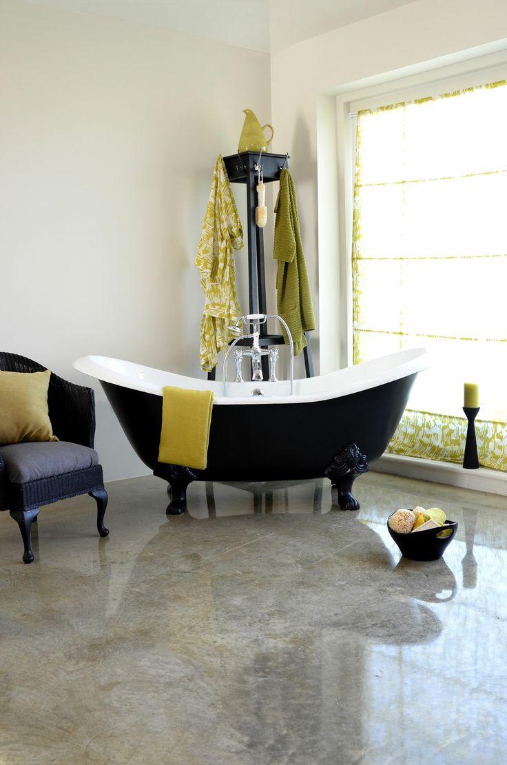 Diese Gusseisen #Badewanne überzeugt durch ihre sehr edle und aristokratische Formgebung. Hierdurch entsteht sofort ein Gefühl von Harmonie, welches Sie vollständig entspannen lässt. Die #Badewanne Edinburgh besitzt einen integrierten Überlauf und kann mit oder ohne Wannenrandbohrungen für die Armatur bestellt werden. Die Füße der Wannen können in verschiedenen Designs bestellt werden. http://www.baedermax.ch/freistehende-badewannen/guss/edinburgh-89ci.html