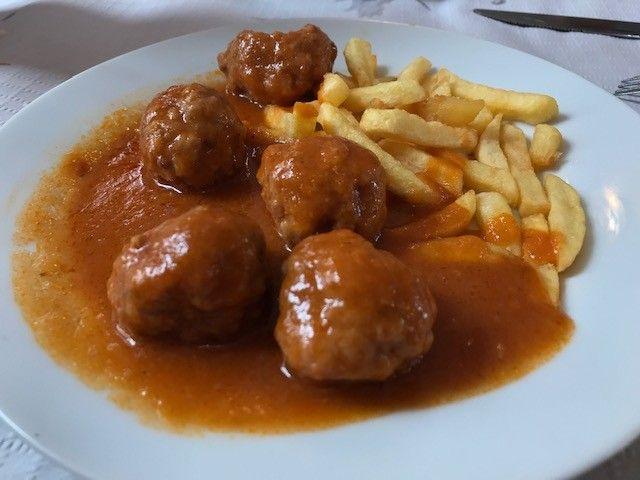 Dónde Comer De Tapas Bien Y Barato En Granada Bares Y Restaurantes Comida étnica Comer Bien Bar De Tapas
