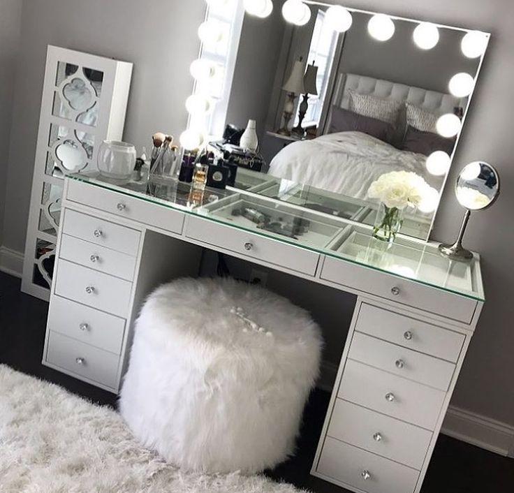 best 25 pillow headboard ideas on pinterest headboards for beds headboard ideas and homemade. Black Bedroom Furniture Sets. Home Design Ideas