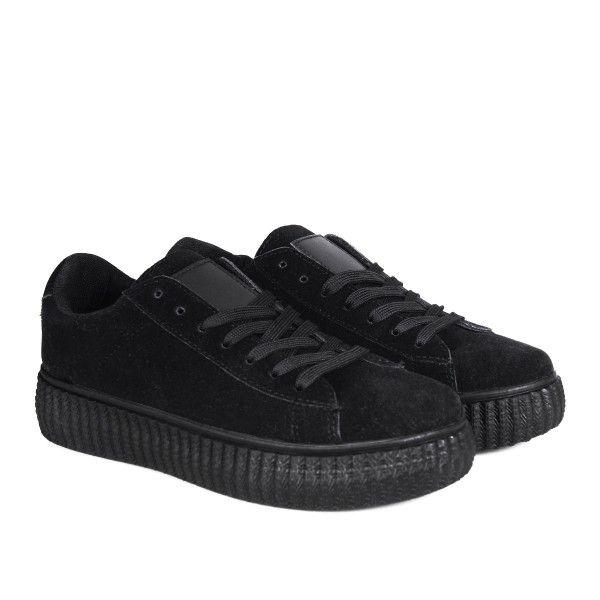 creepers black // https://www.straatstijl.nl/schoenen/sneakers/creepers-black-faux-suede