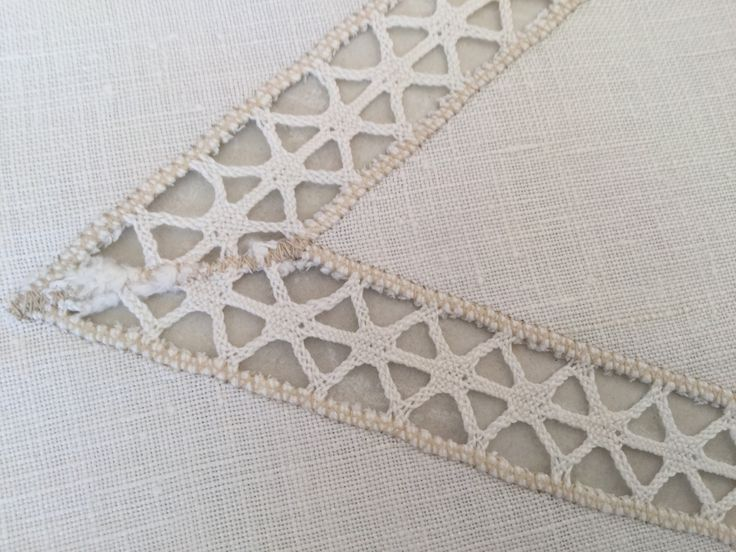 1950's Cream Lace Oval Dressing Table linen 32 by 48cm Excellent Condition by VINTAGEwithaSMILE on Etsy