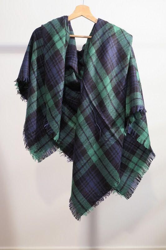 ¡Escribe a info@escampe.com para conseguir tu pañuelo de moda por 10€!  Pañuelo maxibufanda de cuadros (verde azul)