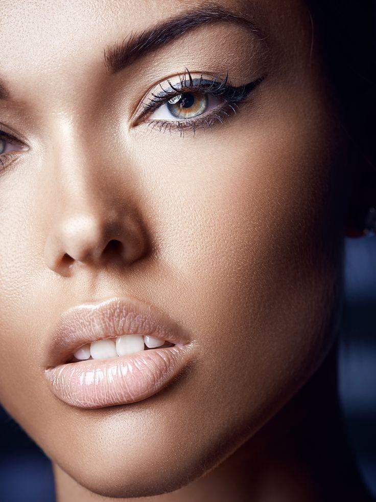 Hello les filles,  Tout le monde le sait, en matière de séduction le regard compte pour beaucoup. Pour mettre vos yeux en valeur et faire fondre l'homme que vous désirez, choisissez des maquillages originaux et adaptés.  Astuces …