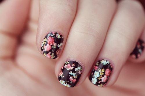 Floral nail prints